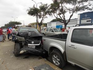 Dos mujeres resultan heridas en accidente en la avenida Manabí