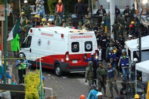Descartan existencia de 'Frida Sofía' bajo los escombros de escuela en México