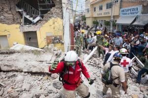 El tiempo para hallar supervivientes del terremoto comienza a agotarse