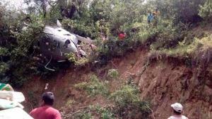 Helicóptero con ayuda para víctimas de sismo se desploma en el sur de México