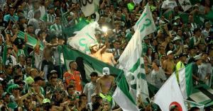 Hinchas mueren ahogados mientras huían de 'barras bravas' del Atlético Nacional