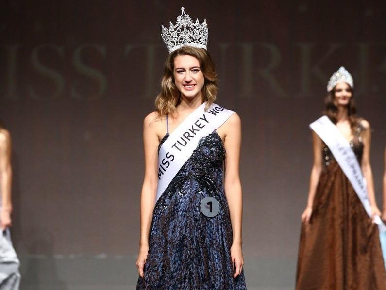 Miss Turquía 2017 pierde la corona por un tuit sobre su menstruación