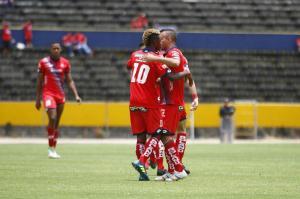 El Nacional golea por 6-0 a Fuerza Amarilla en el estadio Atahualpa