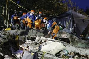 Ascienden a 318 los fallecidos por el terremoto del 19 de septiembre en México