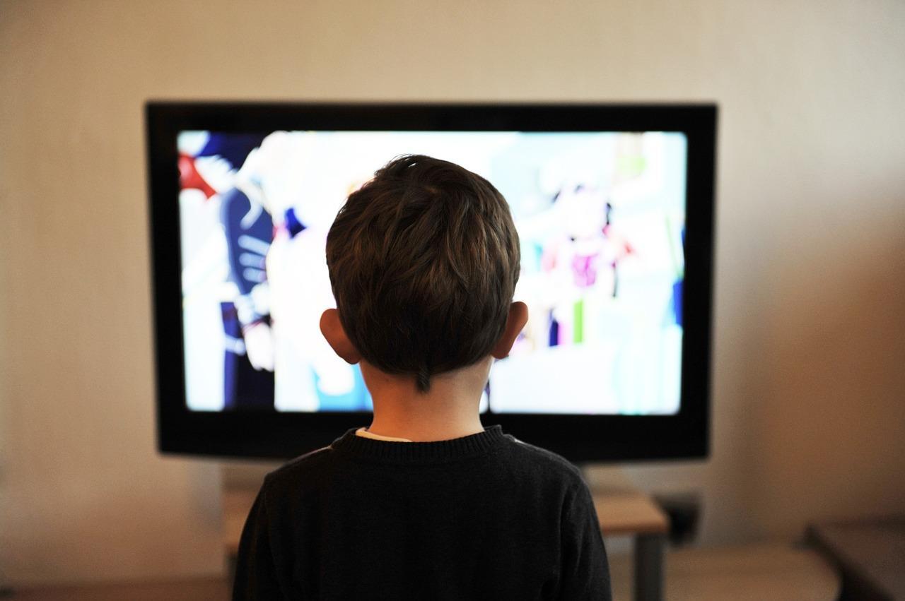 Estudio vincula películas violentas con el gusto por las armas de los menores