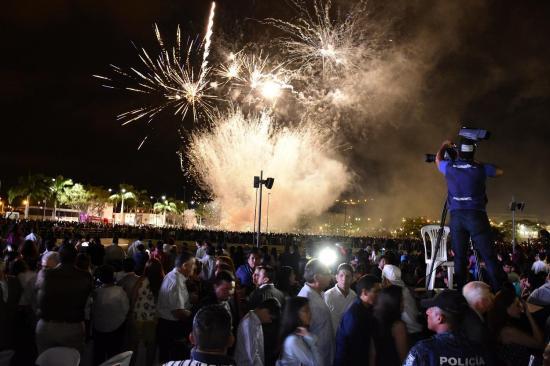 Luces, alegría y festejo por La Rotonda