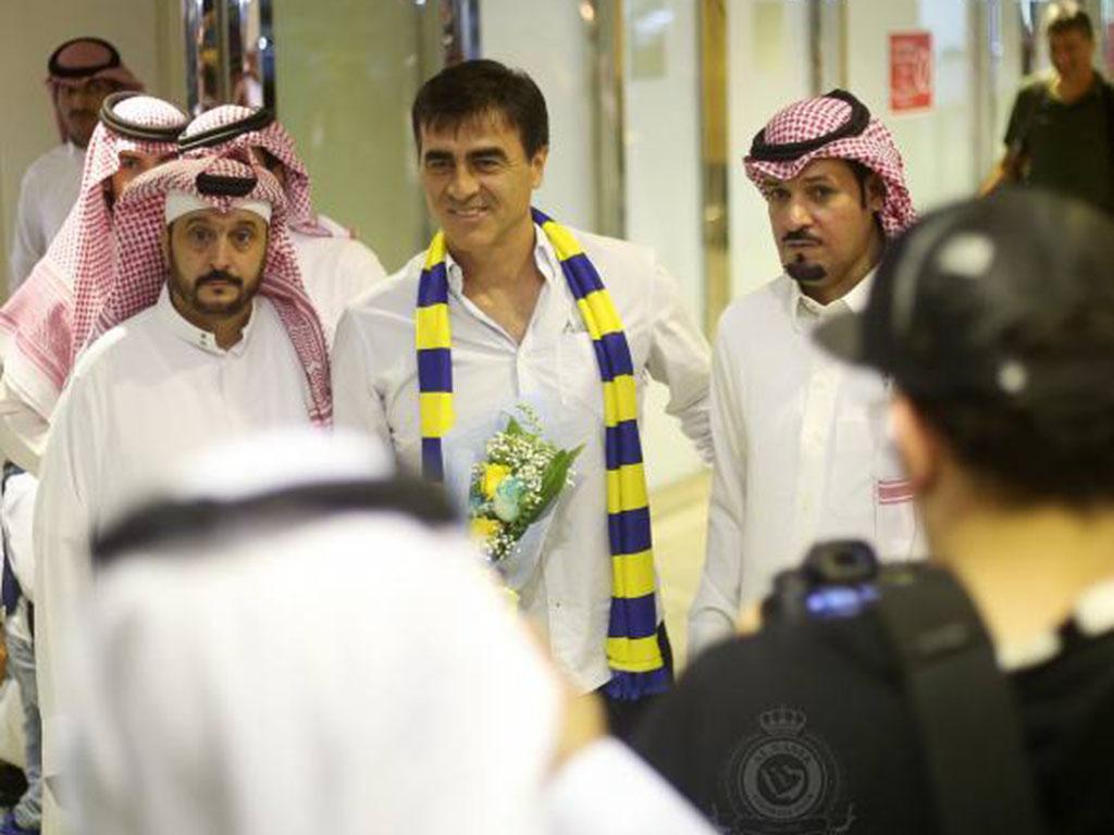 Gustavo Quinteros ya está en Arabia