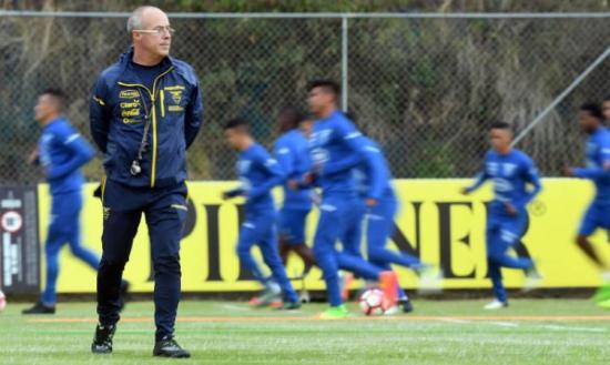El DT Jorge Célico es suspendido por la Conmebol y es 'baja' para Ecuador