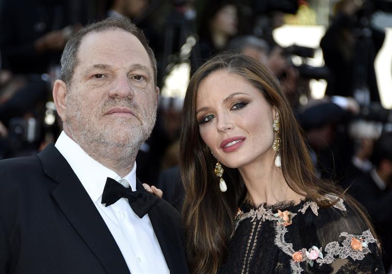 La esposa del productor Harvey Weinstein anuncia su separación tras denuncias de acoso