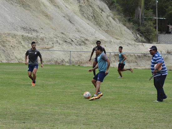 """Alfredo Delgado volvió a Liga de Portoviejo: """"Decidí apoyar"""""""