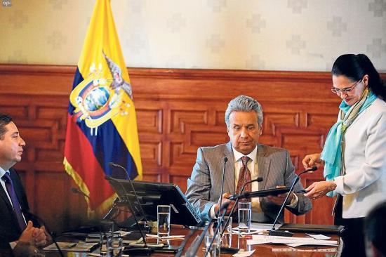 Presidente Moreno plantea dos proyectos de ley para la economía