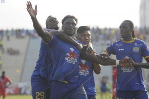 Delfín SC vence por 2-1 a El Nacional y no suelta el liderato del torneo