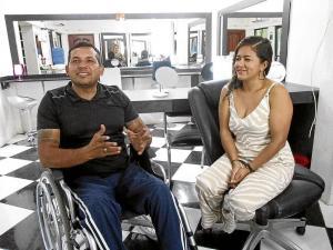 Bala lo condenó a una silla de ruedas