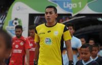 Arquero indonesio muere tras chocar con un compañero durante partido
