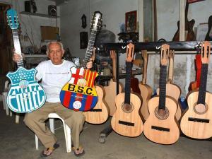 Galo, el maestro de la guitarra