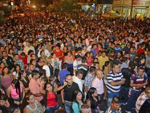 Cierran la avenida Manabí y llueven las críticas