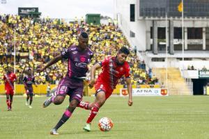Barcelona SC rescata un punto del Atahualpa tras empatar 3-3 con El Nacional