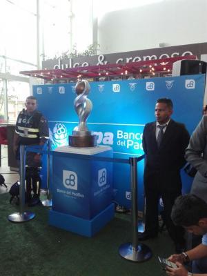 Presentan copa para el ganador del Campeonato Ecuatoriano de Fútbol 2017