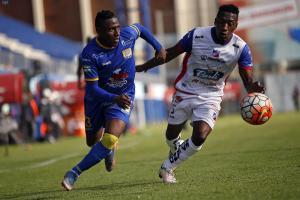 Delfín SC empata 3-3 con Clan Juvenil y cede terreno