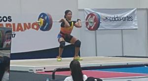 Pesista Alexandra Escobar gana tres medallas de oro en Juegos Bolivarianos