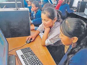 Tecnología refuerza tarea de educación en kichwa
