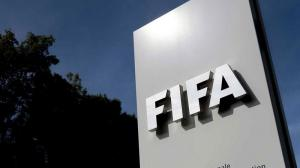La FIFA sanciona de por vida a tres dirigentes por sobornos