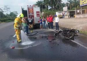 Una motocicleta ardió en llamas