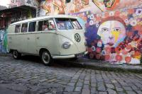 Decomisan furgoneta que suma 8 millones de dólares en multas en Brasil