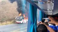 Bus de transporte interprovincial se incendia en plena vía del cantón Paján