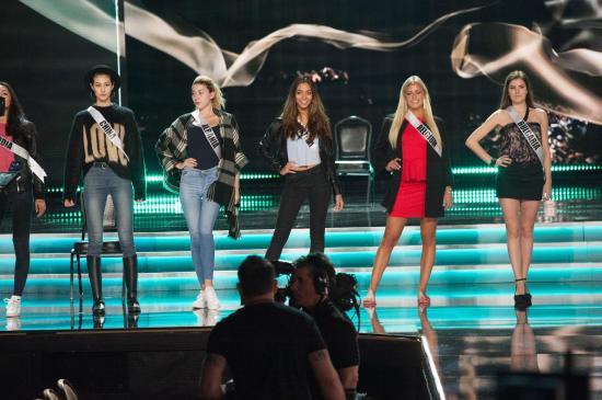 Candidatas apuran ensayos finales para la gala de Miss Universo