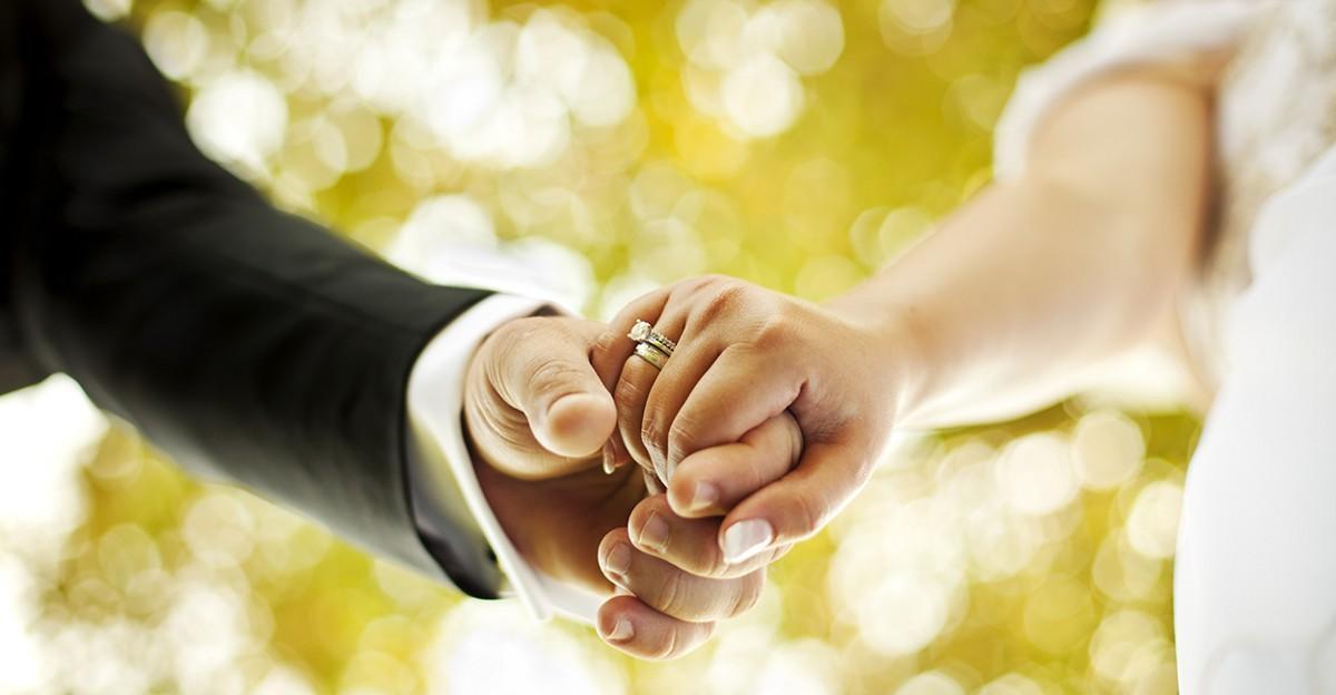 El matrimonio ayuda a prevenir la demencia y tener estilos de vida más sanos
