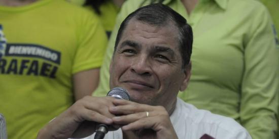 Correa califica de 'golpe de estado' consulta popular planteada por Moreno