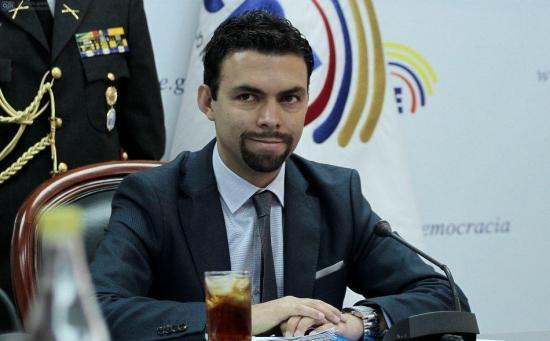 Juan Pablo Pozo renuncia a su cargo como presidente del CNE