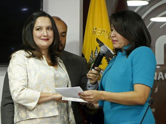 Nubia Villacís y Ana  Paredes, al frente del CNE y la consulta popular