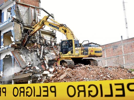 Demoliciones de los edificios pendientes  iniciaron ayer
