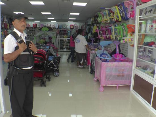 Dos locales regresan al centro de Portoviejo luego de 20 meses del terremoto