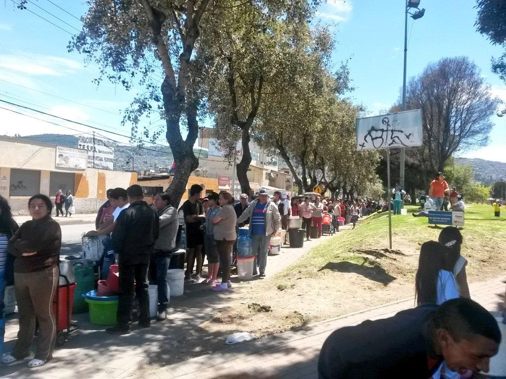 Suspenden actividades laborales en Quito por desabastecimiento de agua
