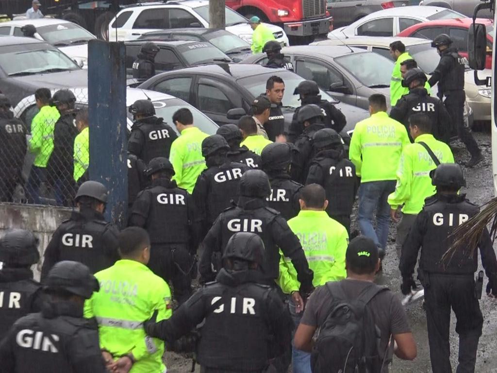 Dictan prisión preventiva para ocho de los diez policías detenidos en Ventanas