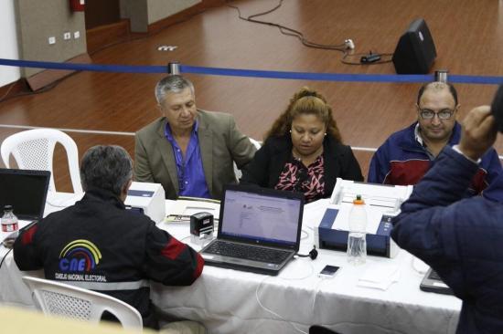 Un total de 56 organizaciones inscritas para campaña de consulta en Ecuador