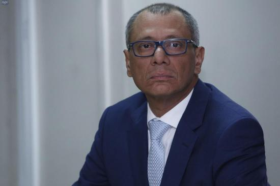 Jorge Glas, sentenciado a seis años de prisión por asociación ilícita