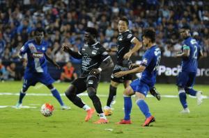 Emelec toma ventaja al vencer 4-2 a Delfín SC en la primera final del torneo de fútbol