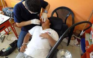 Odontólogos dan atención gratuita