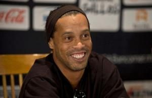 Ronaldinho Gaúcho sería candidato a senador, según la prensa de Brasil