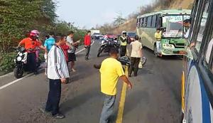 Joven motociclista muere en la vía Cuatro Esquinas-El Zapallo