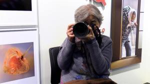 Los divertidos 'selfies' de una abuela de 89 años se exponen en Tokio