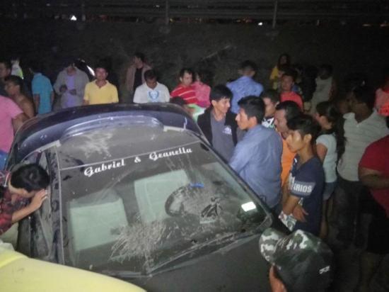 Choque entre una passola y auto deja 5 personas heridas