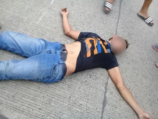 Queda herido tras un  accidente de motos en la avenida del Ejército