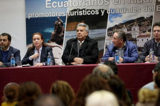 Moreno parte a España para reunirse con Rajoy y el rey Felipe VI