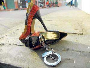 Sentencian a mujer que le pegó a su expareja