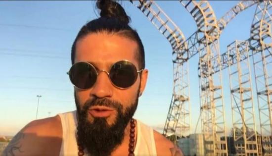DJ muere aplastado tras caerle encima escenario en Brasil